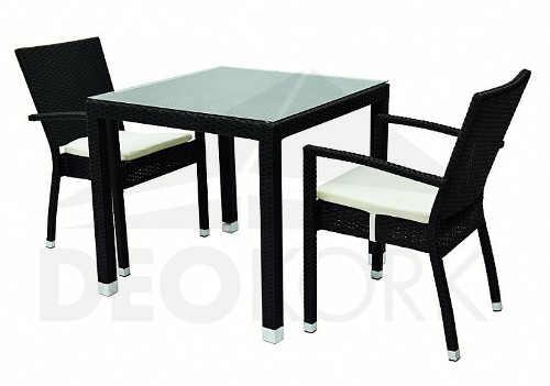 Černý nábytek z umělého ratanu stůl a židle
