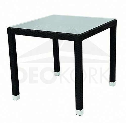 Černý ratanový stůl se skleněnou deskou