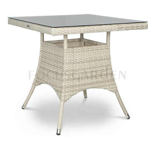 Čtvercový zahradní stůl světlé barevné provedení
