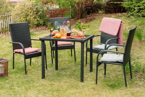 Jídelní nábytkový set na zahradu stůl a čtyři židle