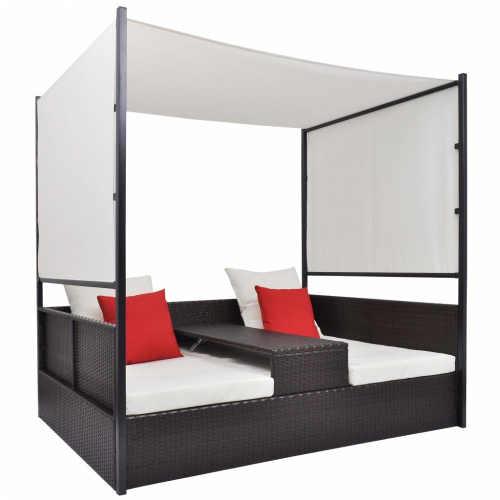 Ratanová postel v provedení s baldachýnem