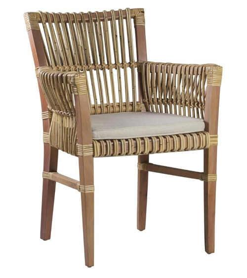 Ratanová židle v nadčasovém provedení