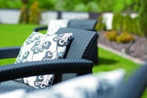 moderní zahradní set z ratanu