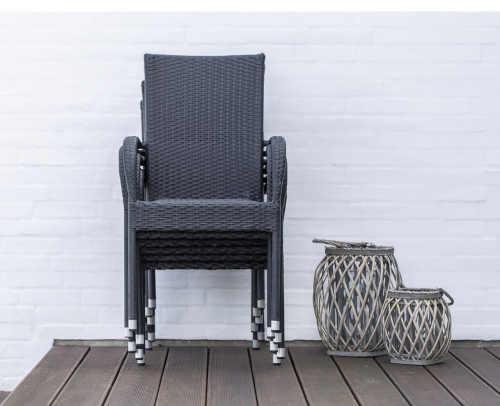 černá ratanová zahradní židle