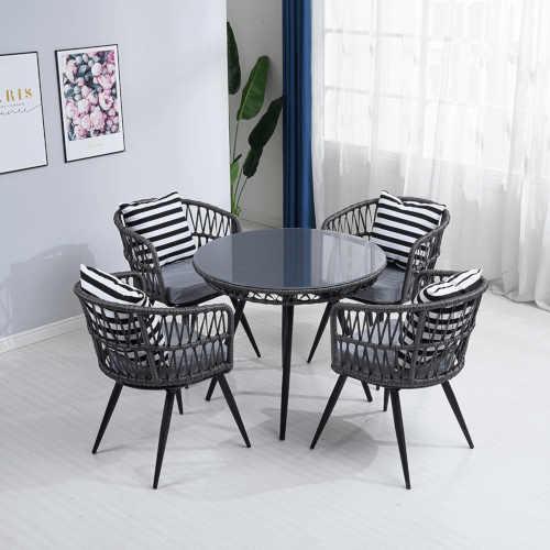 jídelní set z umělého ratanu moderní design